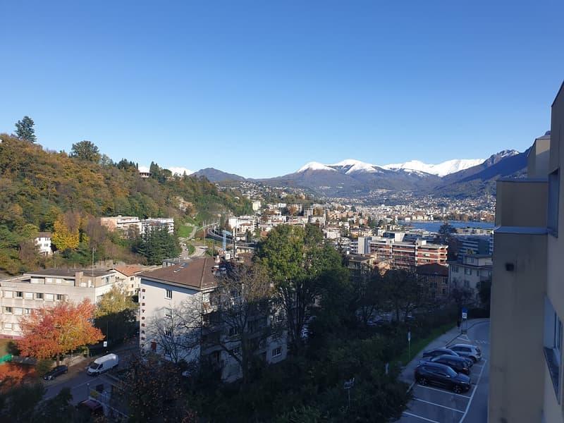 4.5 locali in vicinanza dell'università con splendida vista lago e sulle montagne circostanti