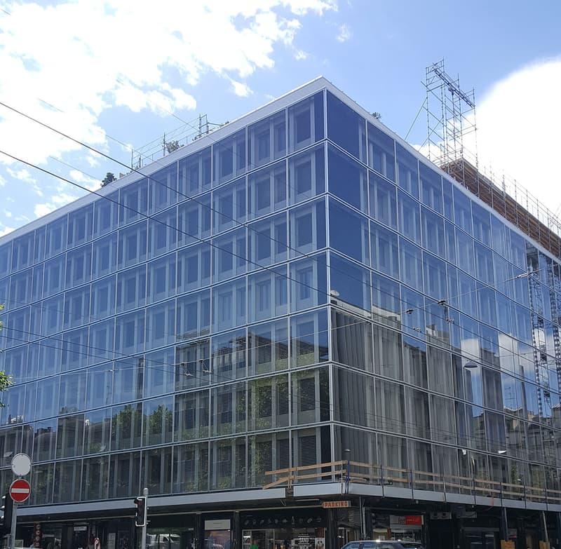A louer, surfaces de bureaux rénovées rue du Rhône à Genève