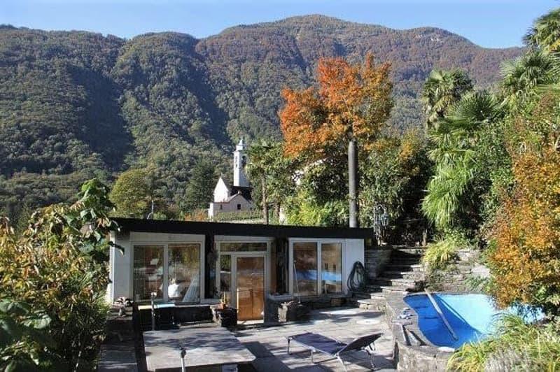 modernes 2-Zimmer-Bungalow mit grosser Terrasse und Pool / bungalow di 2 locali con terrazza a piscina