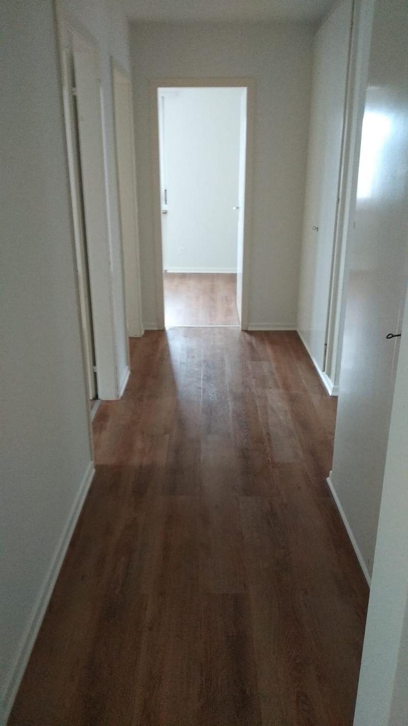 teilweise neu renovierte Wohnung !!