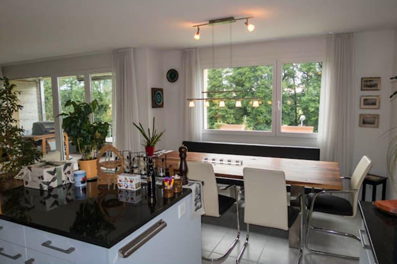 Helle gut besonnte Wohnung mit unverbaubarer Sicht ins Grüne