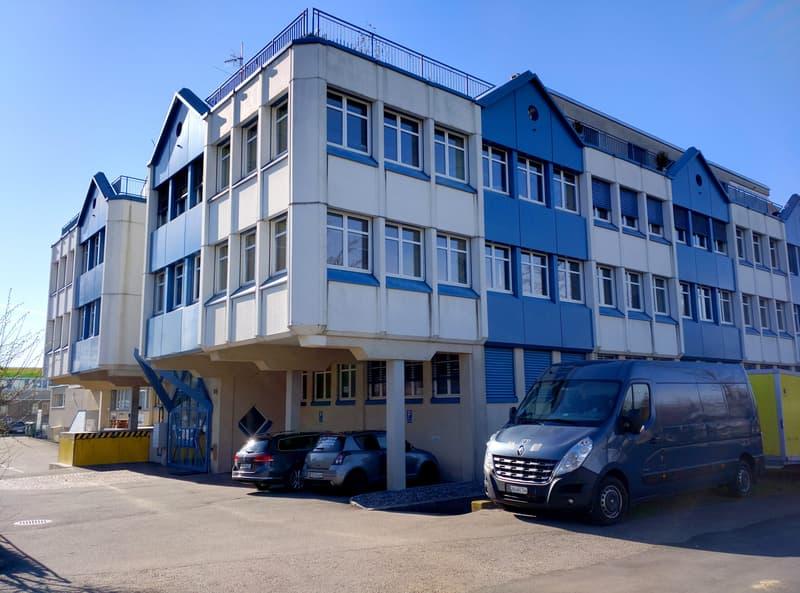 Büro- und Gewerberäumlichkeiten mit Warenlift