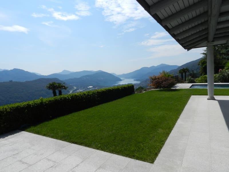 BOSCO LUGANESE Villa con piscina, vista lago e montagne