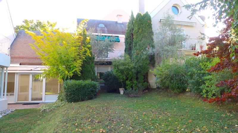 Maison contiguë de 6 pièces à rénover