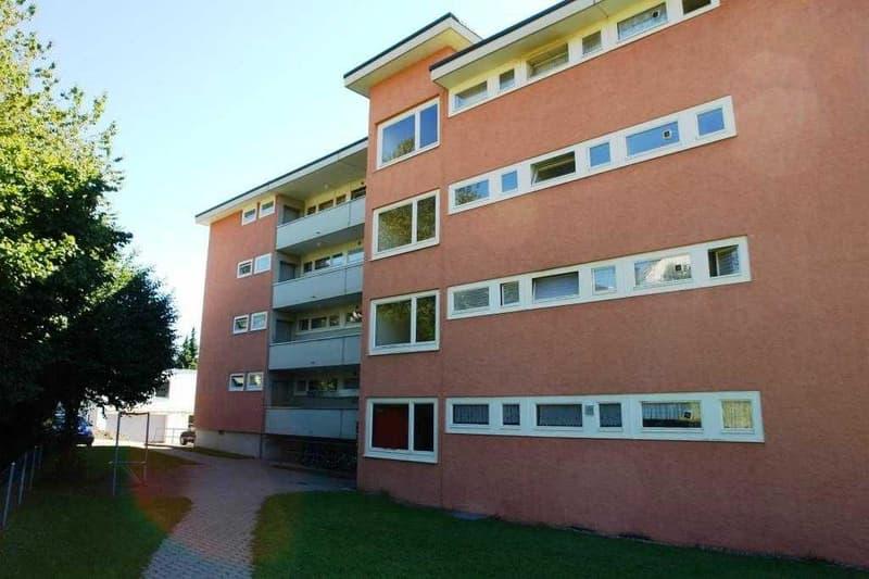 3½-Zimmerwohnung, ruhig gelegen im Zentrum von Hinwil