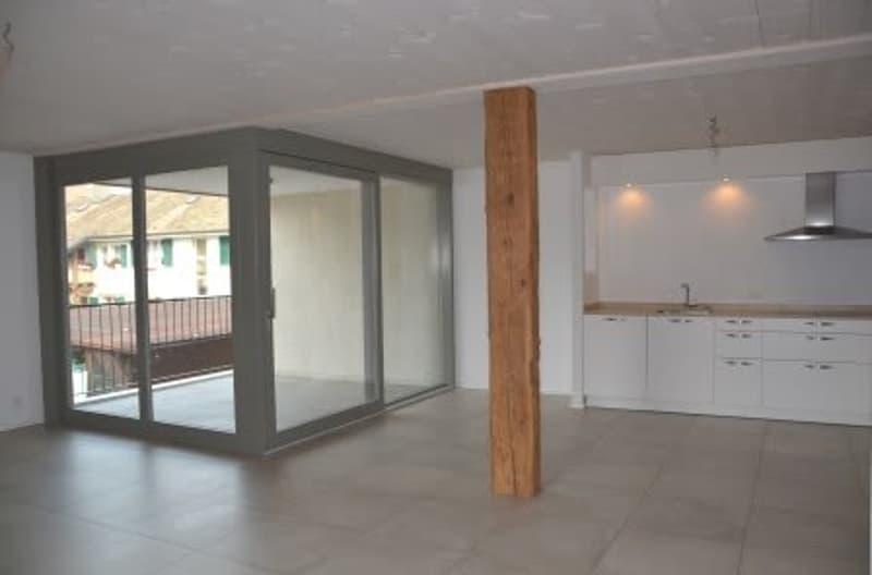 Dans le Bourg appartement de 4.5 pièces avec balcon/loggia au 1er étage (Lot 6)