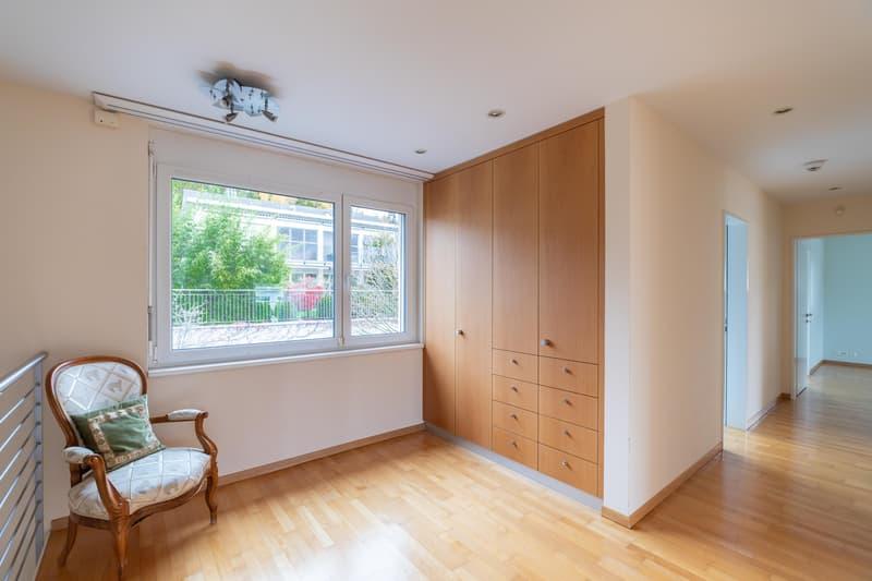 Luxuriöses Einfamilienhaus an Top-Lage mit viel Privacy (4)