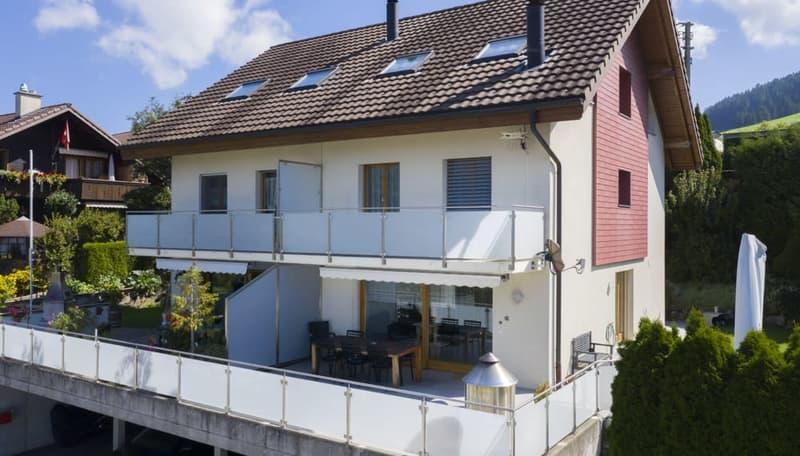 Immobilien Wyss - 5.5-Zimmer Doppeleinfamilienhaus mit Weitsicht