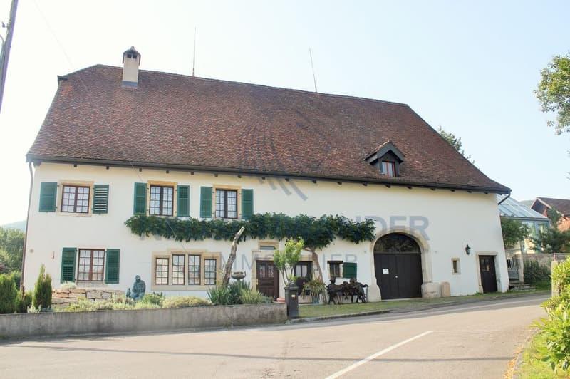 Grande et magnifique maison avec spacieuse grange - 400 m2