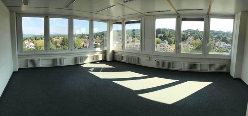Vos bureaux à Renens de 250 m2 étage élevé, vue