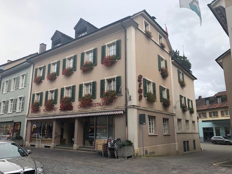 Wohn- und Geschäftshaus inmitten der Altstadt von Laufen
