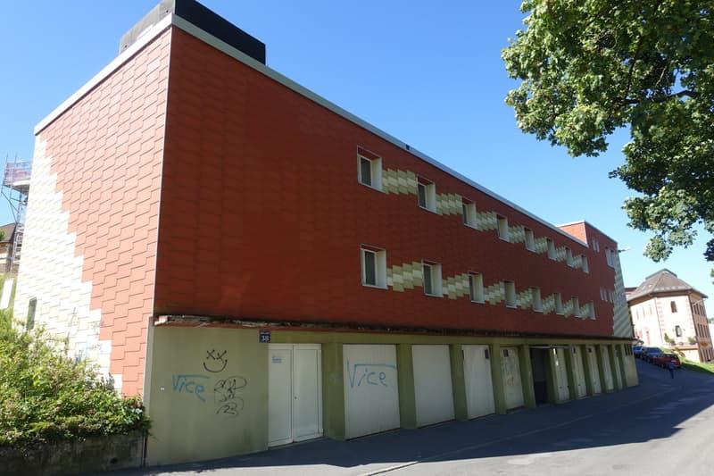 Locaux administratifs et industriels + garages