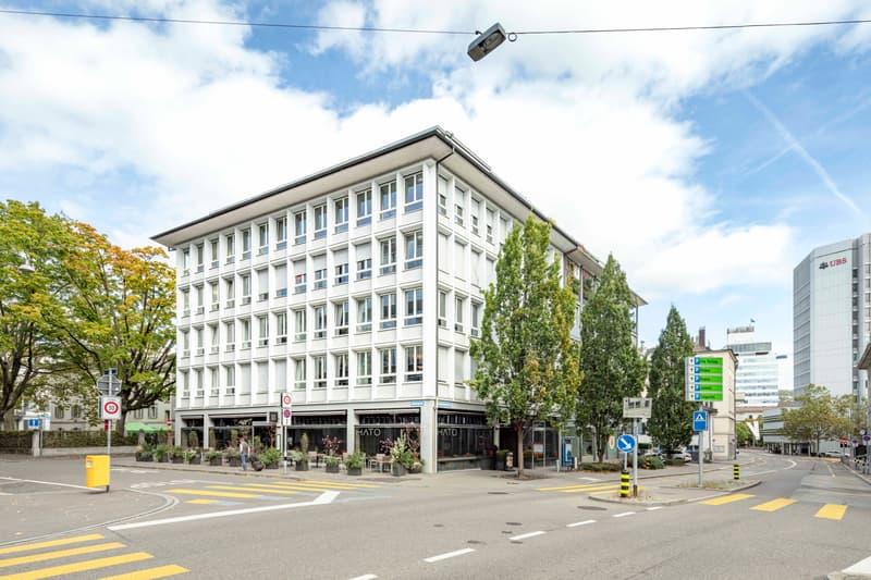 Parkplätze, Terrasse, Duschen - all you need - Helle und bezugsbereite Büros mitten in Zürich. (1)