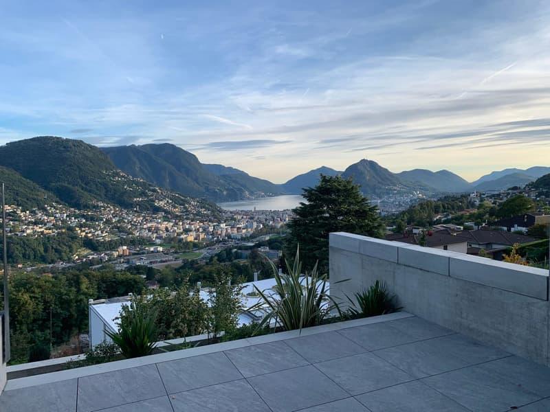 Villa unifamigliare moderna con bellissima vista lago e montagne