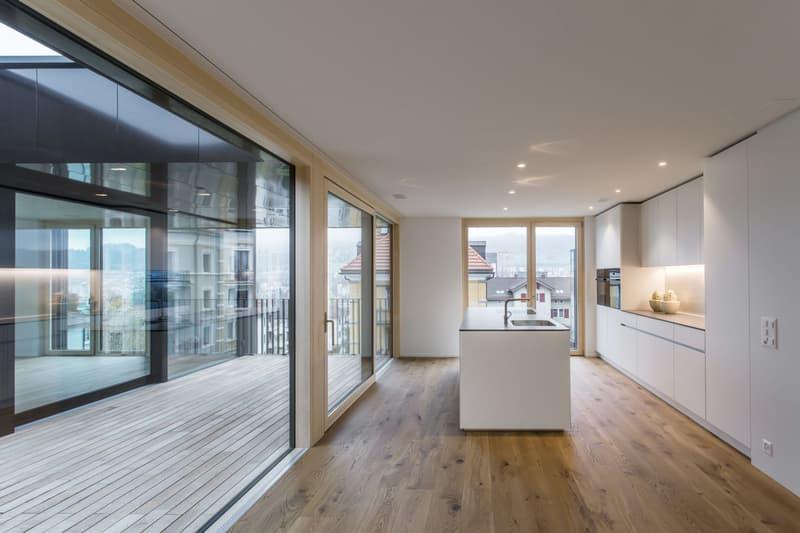 Grosse 2.5 Zimmer-Dachwohnung an zentraler Lage! (2)