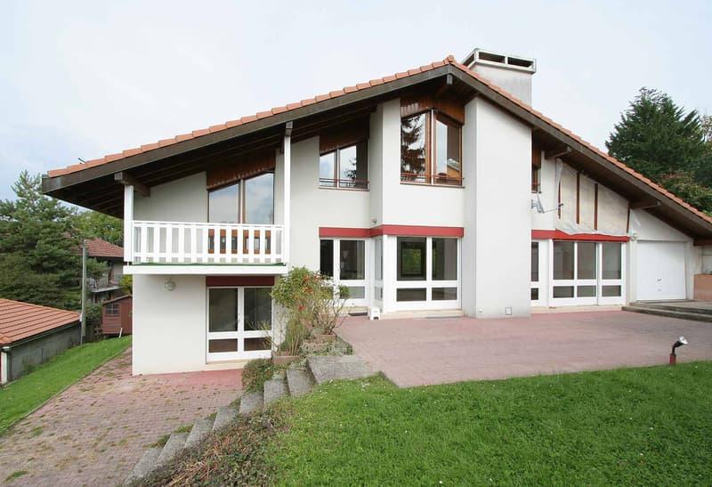 Belle maison de 7 pièces, vue lac.