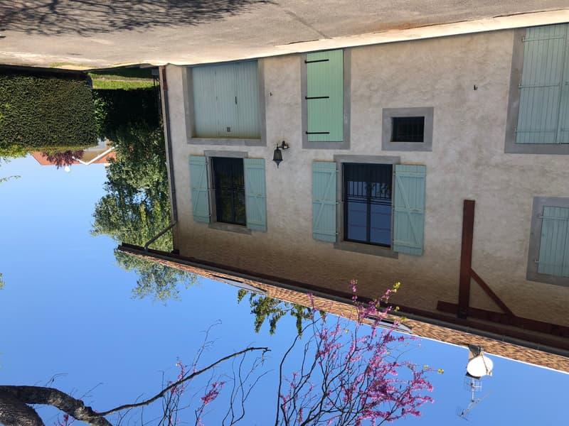 Maison totalement rénovée 200 m2 avec jardin arrêt TPG douane de veigy ou Anieres chevrens