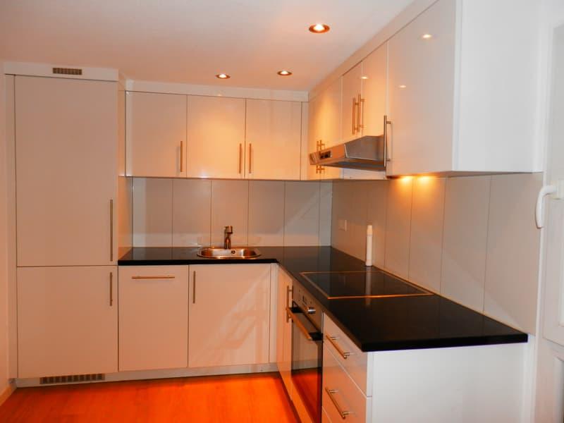 Schöne helle 3 Zimmer Wohnung mit eigenem Eingang