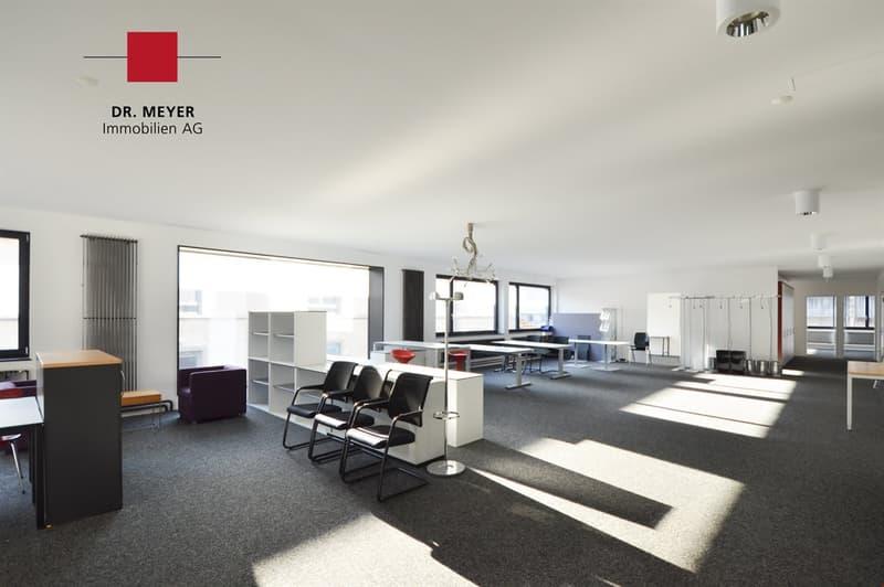 Moderne Büro-, Schulungsräume bei Tramendstation Wabern