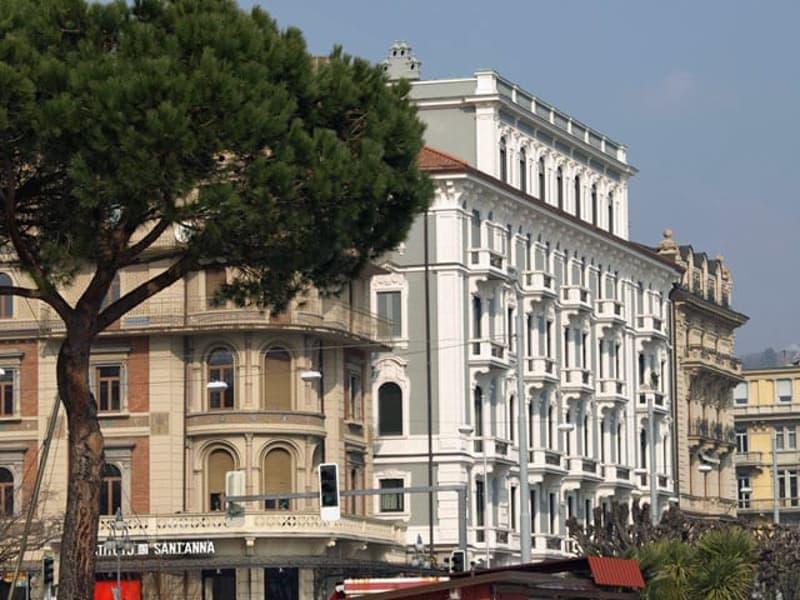 Ufficio in stabile d'epoca in Via Nassa (1)
