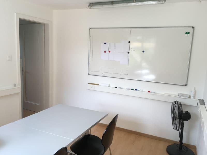 Attraktive Räumlichkeiten für Nutzung als Büro, Praxis oder Atelier mit 3 sep. Räumen