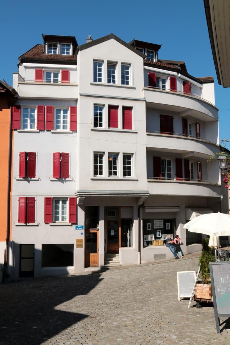 Local commercial 85 m2 - Bourg de Pully - Rez avec vitrine - Multiples usages possibles