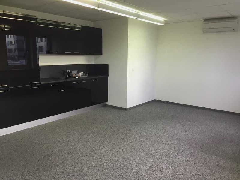 Ausgebaute Bürofläche an zentraler Lage (3)