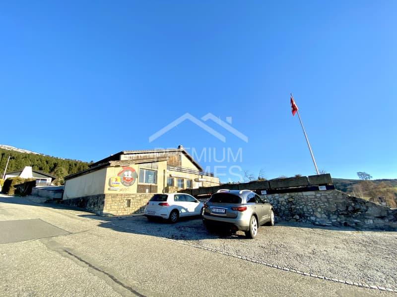 Restaurant, Diskothek und 2 Wohnungen mit Seesicht