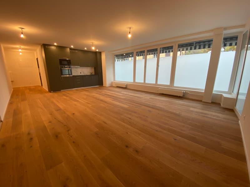 Erstvermietung von neu renovierte 2.5 Zimmerwohnung