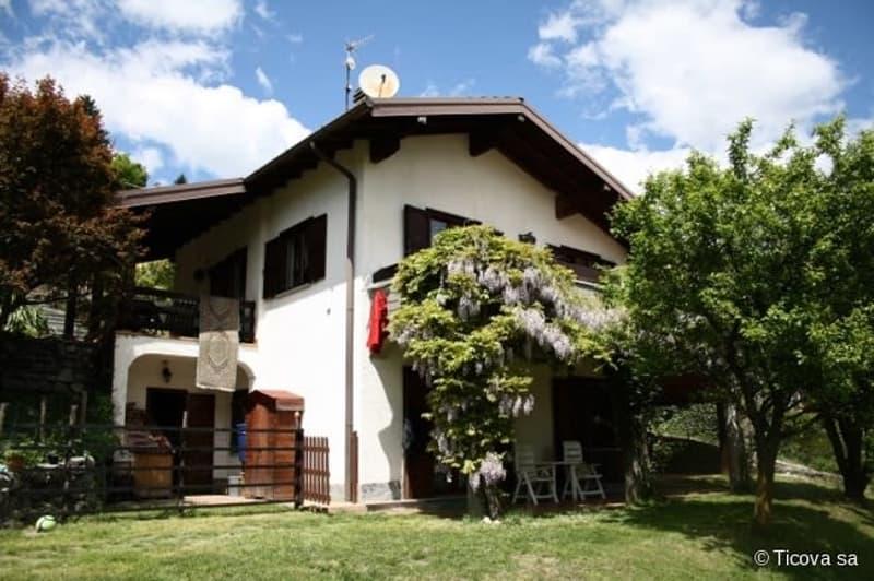 In Alta valle Intelvi- Scaria  Splendida villa