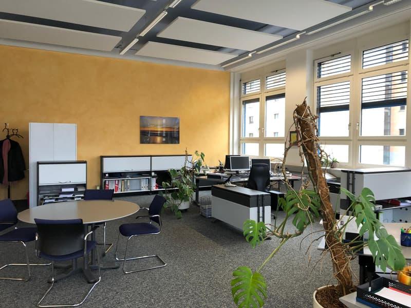 """Helle, hohe Büroräume im historischen """"Schleife-Areal"""" (3)"""