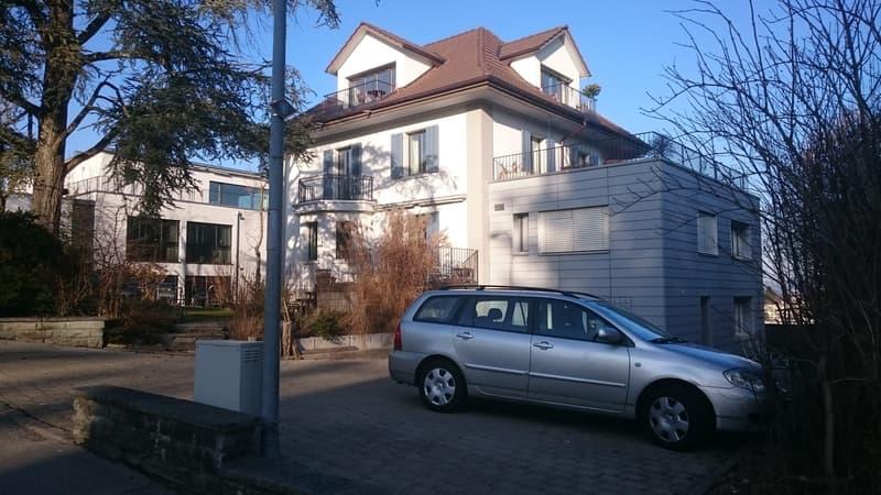 Wunderschöne 2 Zimmer Attika Wohnung in Muri mit 3 Balkonen