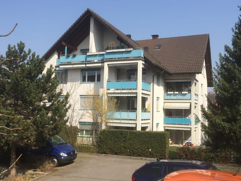 Grosszügige 3.5 Zimmerwohnung mit Gartensitzplatz