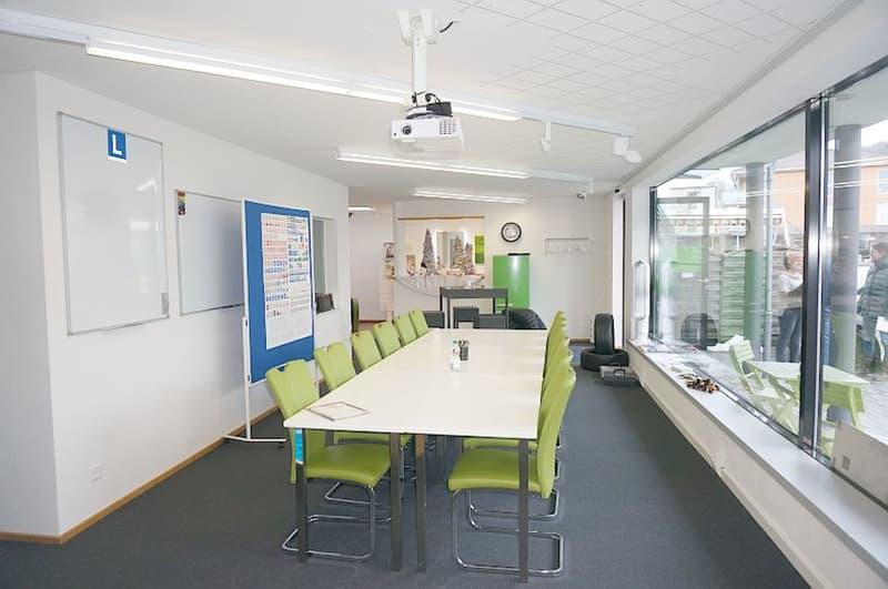ca. 90 m² Büro- / Praxis- / Ladenfläche im Dorfzentrum