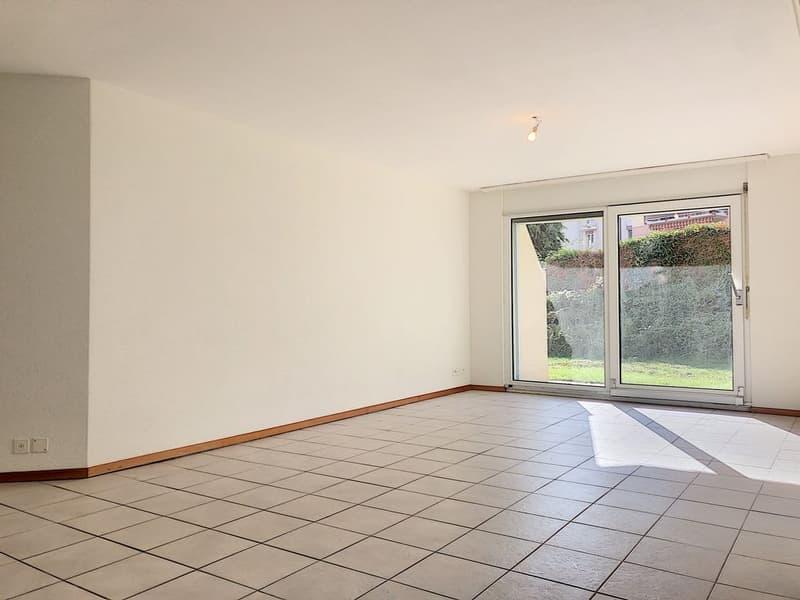Spacieux appartement rafraîchi de 3.5 pièces avec terrasse privative (3)
