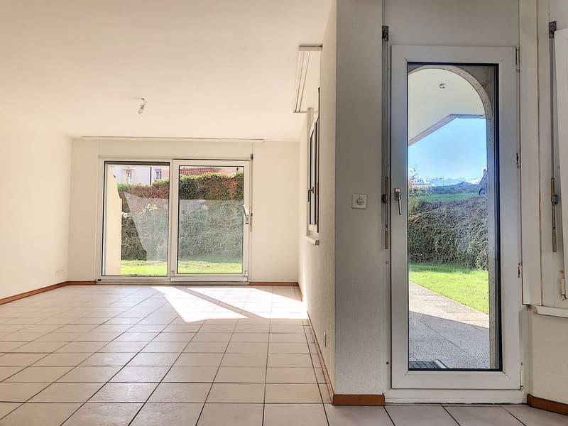 Spacieux appartement rafraîchi de 3.5 pièces avec terrasse privative (4)