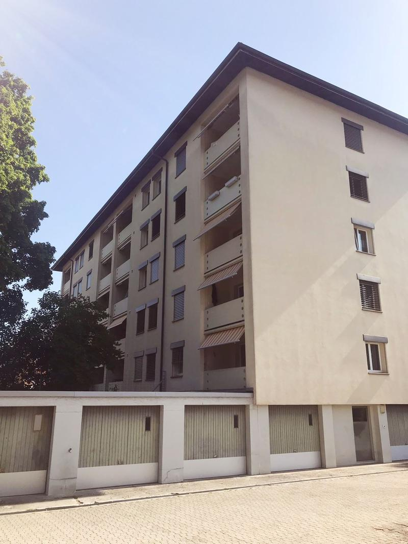 Wohnung im EG mit Balkon