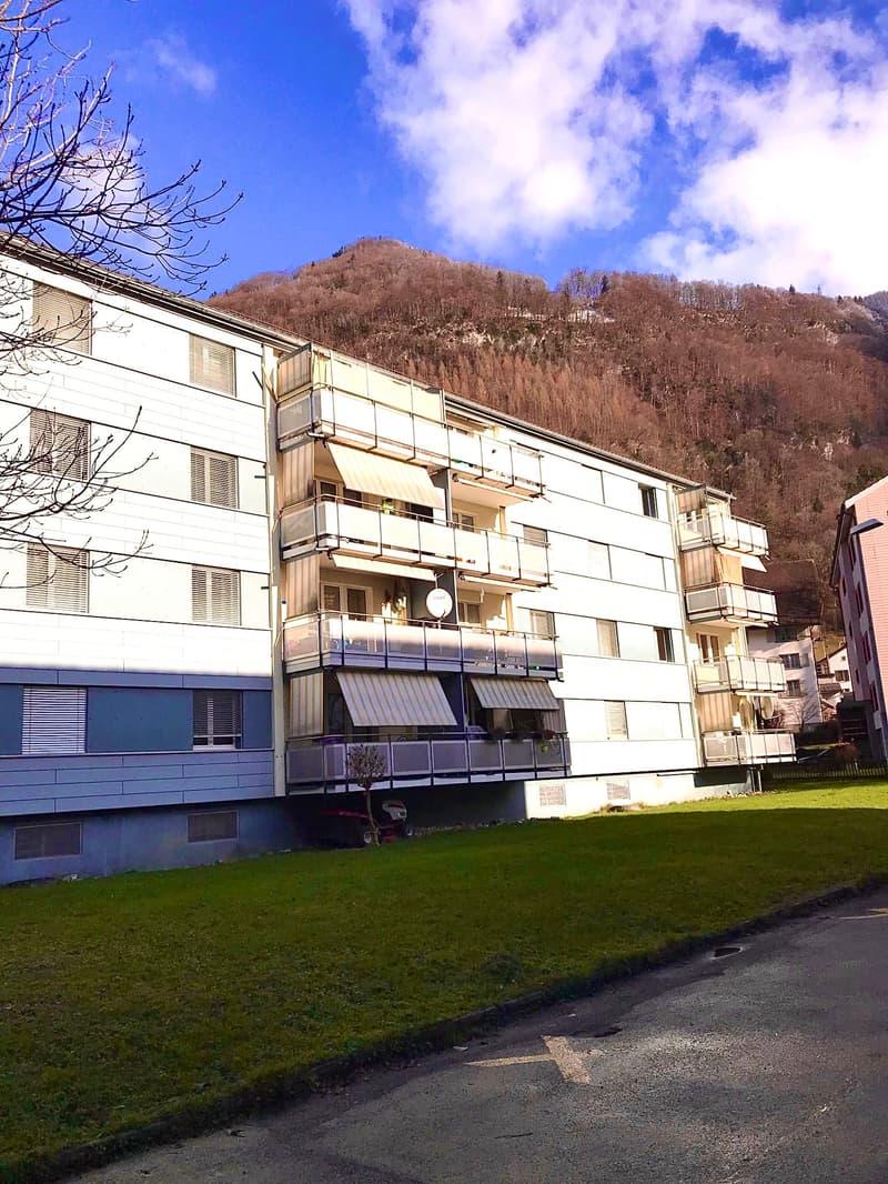 Wunderschöne 3.0 Zimmerwohnung in Mollis