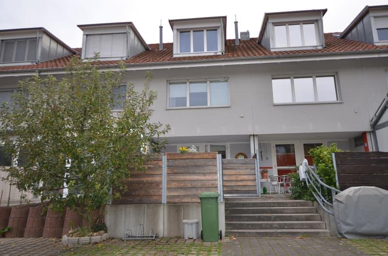 Familienfreundliches 6.5 Zi. Reihenmittelhaus in Reinach