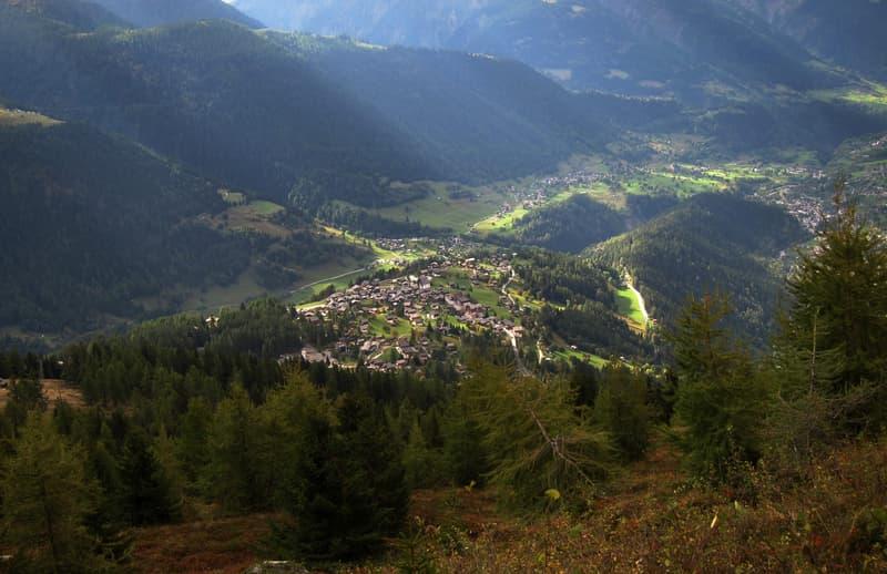 Neubauchalet im sonnigen Bellwald im Goms