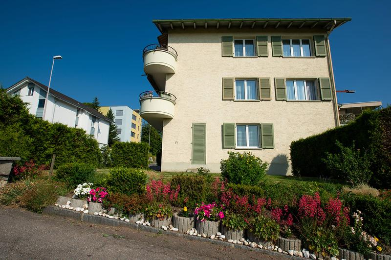 Mehrfamilienhaus mit 4 Wohneinheiten und Ausbaupotenzial zu Verkaufen. (2)