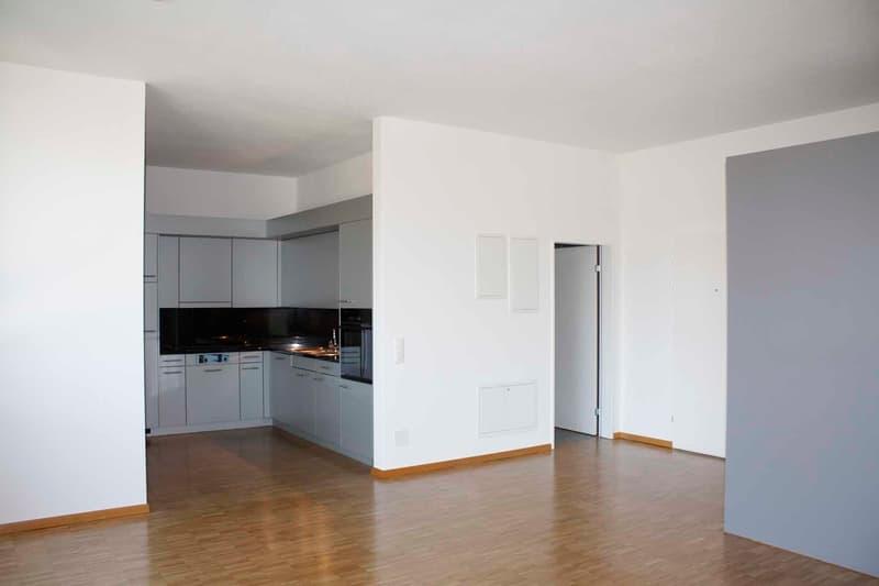 Wohnzimmer zu Küche