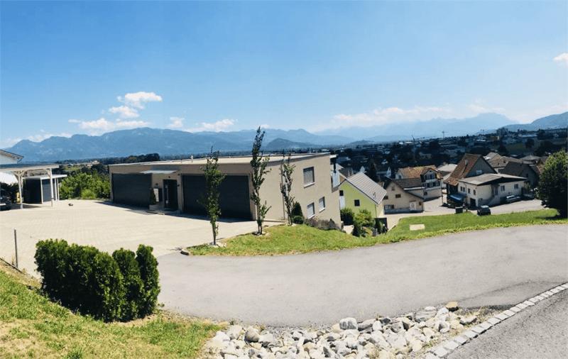 3,5 Zimmer Wohnung mit Balkon und Blick ins Rheintal