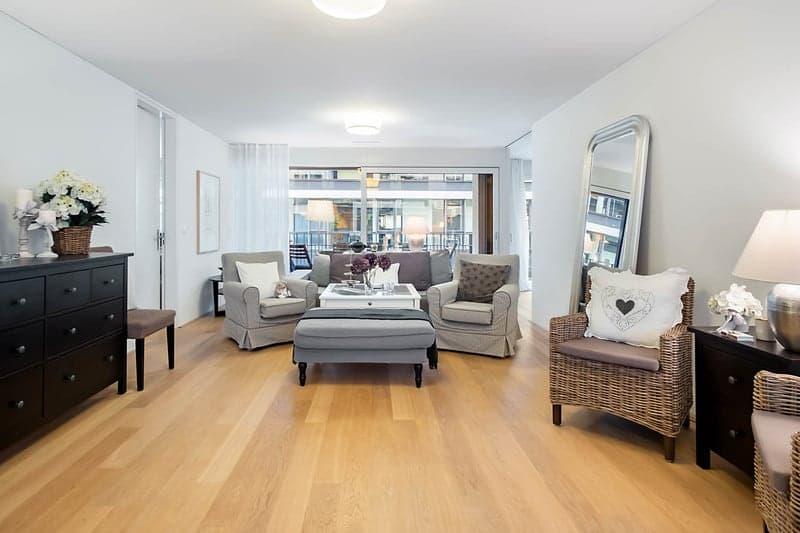 Gut möblierbarer und eleganter Wohnbereich