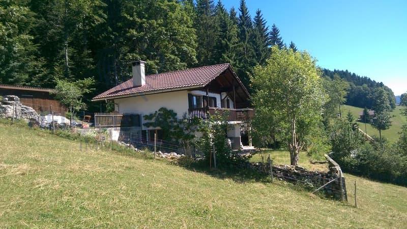 Chalet / maison composé de 4.5 pièces avec jardin
