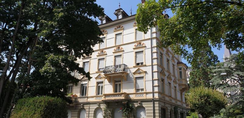 Schöne 4.5-Zimmer Altbauwohnung / Bel appartement de 4.5 pièces
