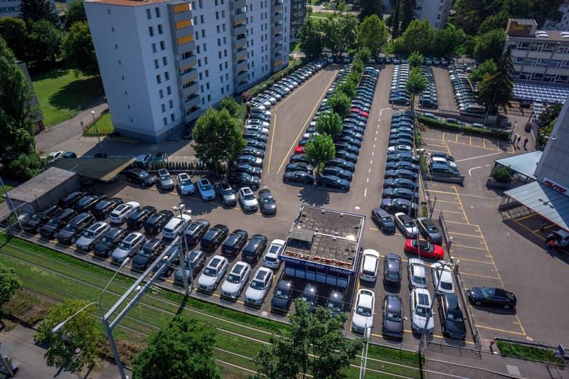 AUTO-VERKAUFSPLATZ für ca. 60 Autos