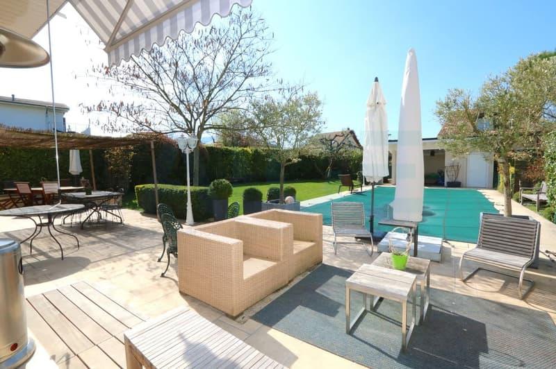 Somptueuse et lumineuse villa avec piscine