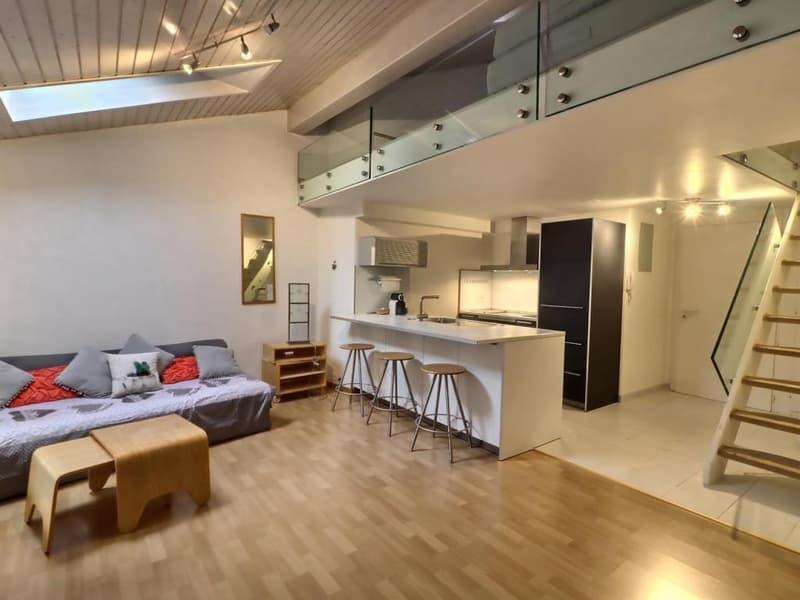 Joli appartement de 2,5 pièces en duplex à louer dans le bourg de Lutry