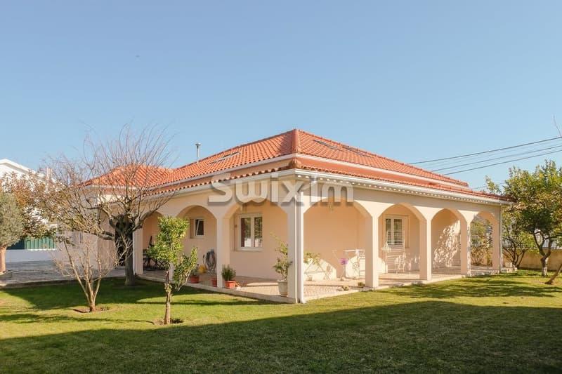 Villa - Charneca De Caparica